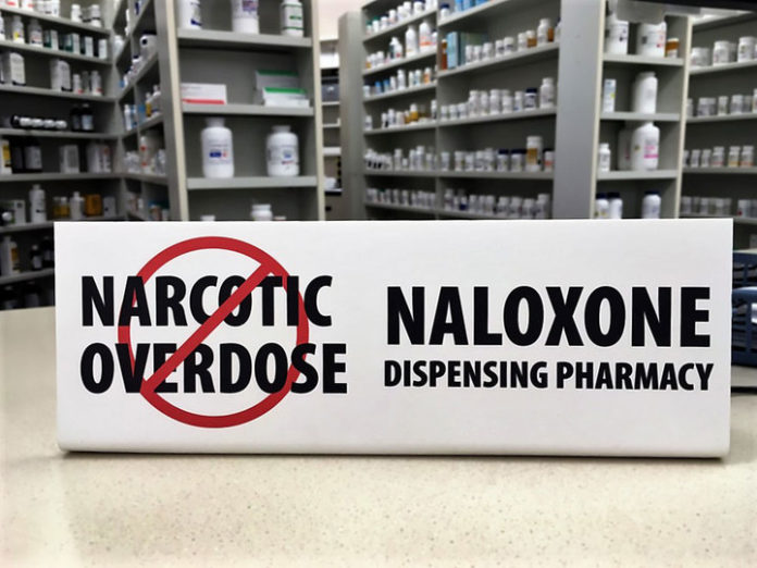 naloxone-distribution-with-clean-syringe-programs-saves-lives-of-opioid-users
