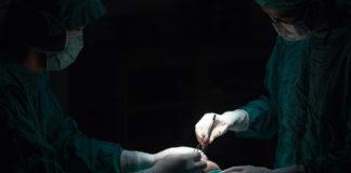 What happens when surgeons limit postoperative opioid prescriptions?