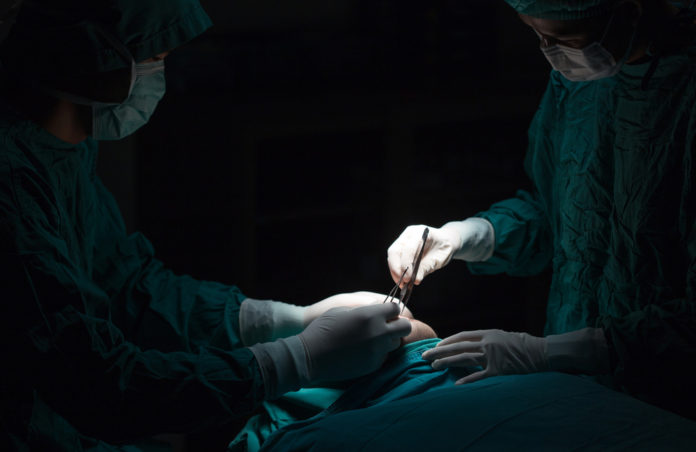 What happens when surgeons limit postoperative opioid prescriptions?