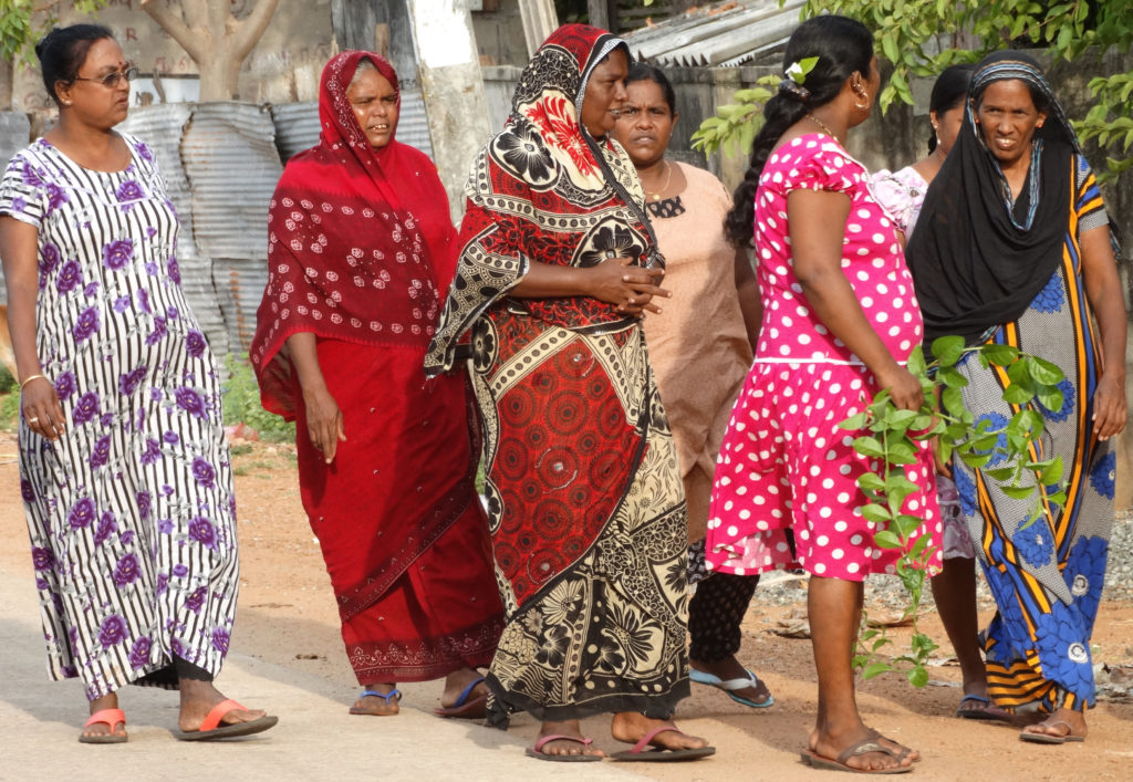 Sri Lanka Reverses Law Banning Women from Purchasing