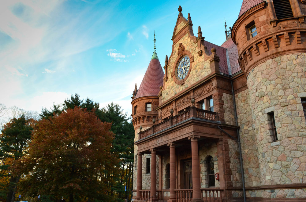 Wellesley Addiction Treatment Center Divides Community